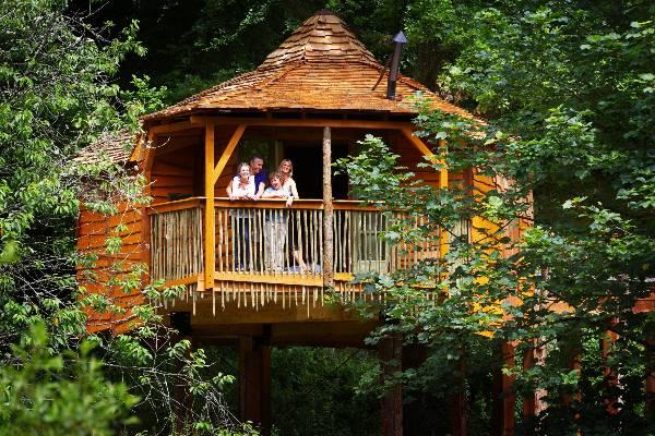 forest-holidays-tree houses